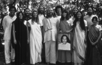 Ananda Devotees Early Days