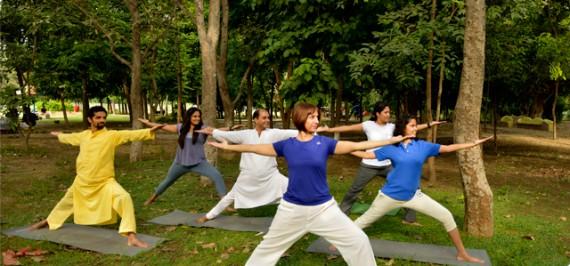 Yoga_groupPic