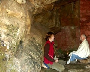 Devotees Meditating in Babaji´s Cave