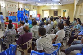 Nayaswami Dharmini and Nayaswami Dharmarajan teaching in Chennai