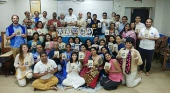 Group Photo Mumbai With New Books