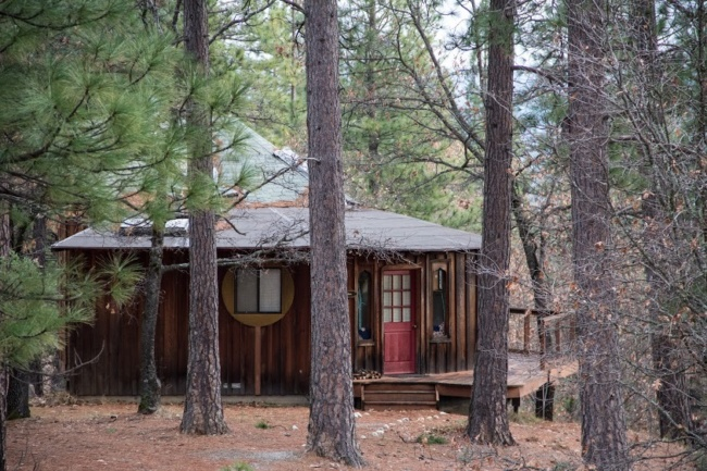 Devotion Cabin Expanding Light