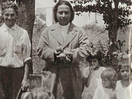 Yogananda and Children